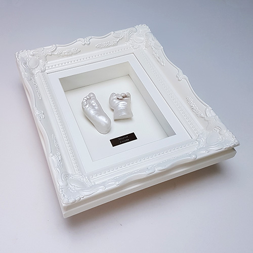 Luxury Vintage 10x8 Ivory frame with pearl white casts